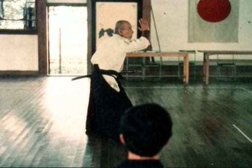 TAKAMATSU-SENSEI PERFORMING KENBU